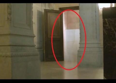 O fantomă la Versailles