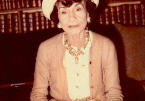 Coco Chanel in 1970. Foto de Marion Pike, sursa Wikipedia.