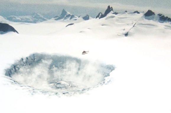 s-a-descoperit-epava-unei-nave-extraterestre-gigantice-in-antarctica