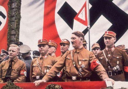Hitler la tribuna
