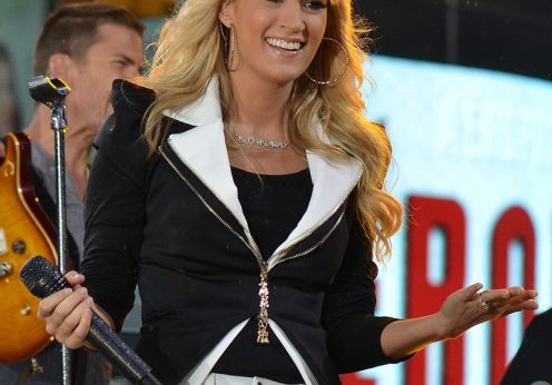 Carrie_Underwood_3,_2012