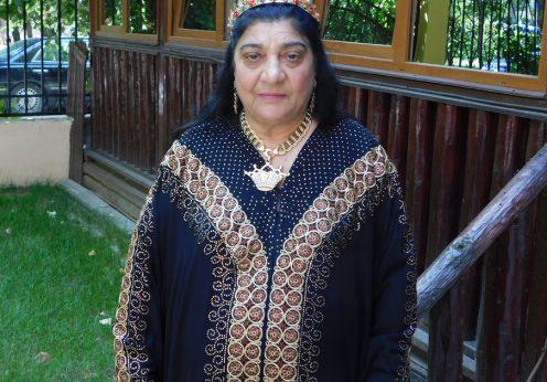 campina33 Regina Magiei Albe Maria Câmpina,